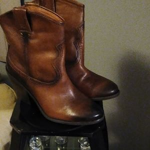 Ladies Lucky Brand boots size 8